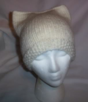 Hand Knit Cat Ears Hat Meooow - Ivory - Moss Stitch