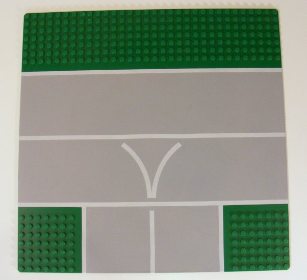Green 32x32 Baseplate 32 x 32 Road 7-Stud T Intersection with Runway Pattern 2360p02 B44