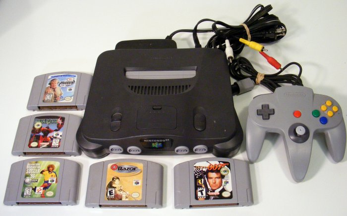 Nintendo 64 N64 Video Game Console Lot with 5 Games, 1 Controller N64 RARE Superstar Soccer 98