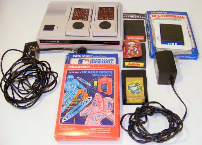 Mattel Intellivision II 2 Video Game System Console with 7 Games Burgertime Frogger Tron