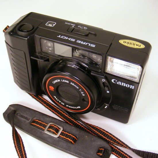 NM Vintage Canon Sure Shot 35mm Auto Focus Film Camera w Strap Sureshot Like New