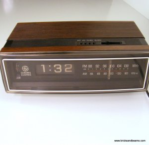 vintage ge flip clock radio 7 4305c general electric 1973. Black Bedroom Furniture Sets. Home Design Ideas