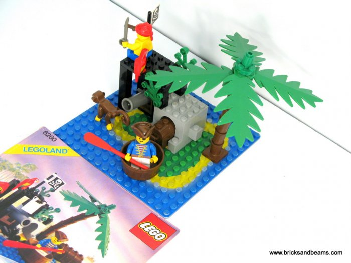 Lego 6260 Pirate Shipwreck Island Set 99 Complete With Instructions 2 Mini Figs Parrot And Monkey