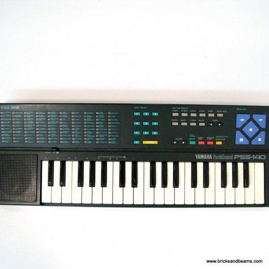 Vintage YAMAHA PSS-140 ELECTRONIC KEYBOARD RARE HTF