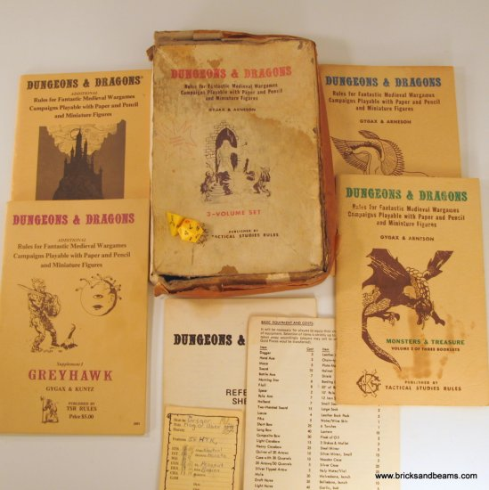 Original Collector�s Edition Dungeons and Dragons Boxed Set 1977 Partial w Extras
