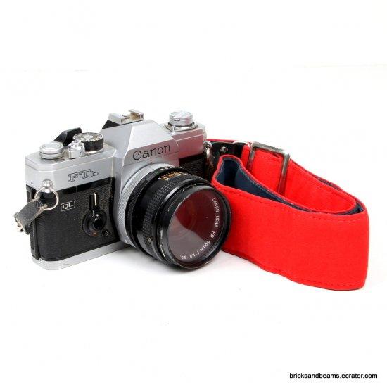 Vintage CANON FTb QL  35mm FILM CAMERA Body FD 50mm 1:1.8 Lens and Strap