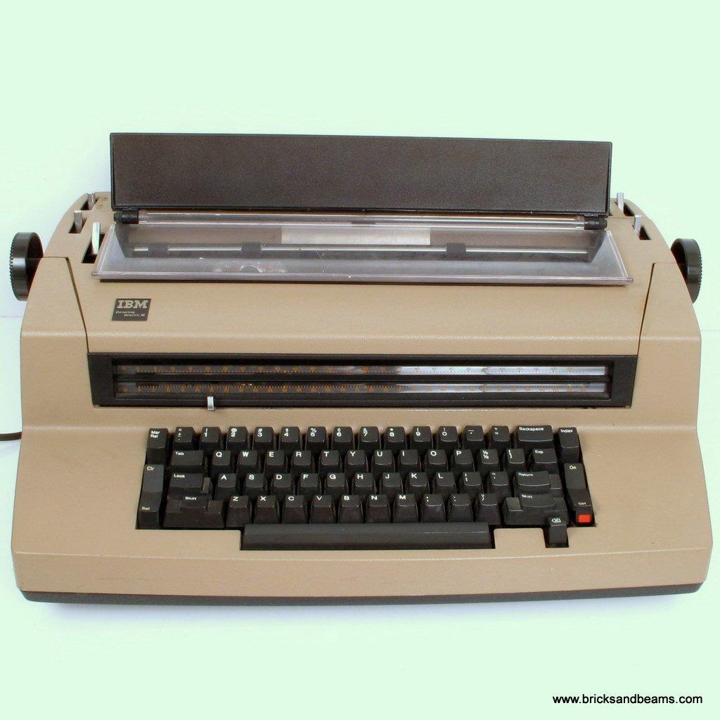 Vintage IBM SELECTRIC CORRECTING III TYPEWRITER Tan WORKS GREAT