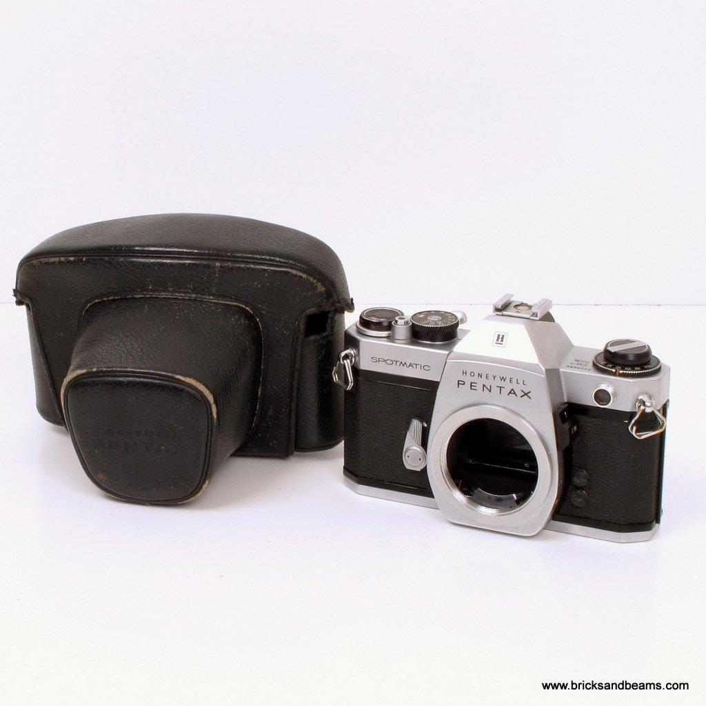 Honeywell Pentax Spotmatic IIA Camera Body 35mm SLR Film Camera w Case