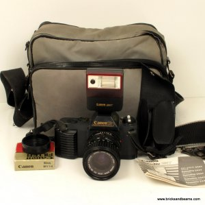 Canon T50 SLR 35mm Film Camera w 35 - 70mm Lens Flash Case