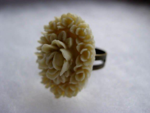 Handmade Ring - Cream Vintage Floral Cab
