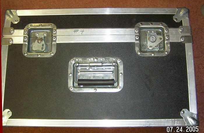 CALZONE Industrial Strength Shipping Cargo Case Like New