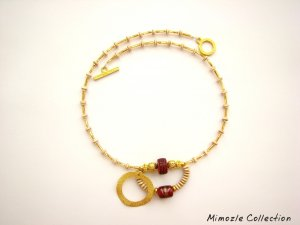 VINTAGE STYLE GOLD TONE NECKLACE WITH BONE BEAD