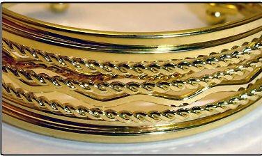 NEW 24K GOLD PLATED STYLISH BANGLE BRACELET SET