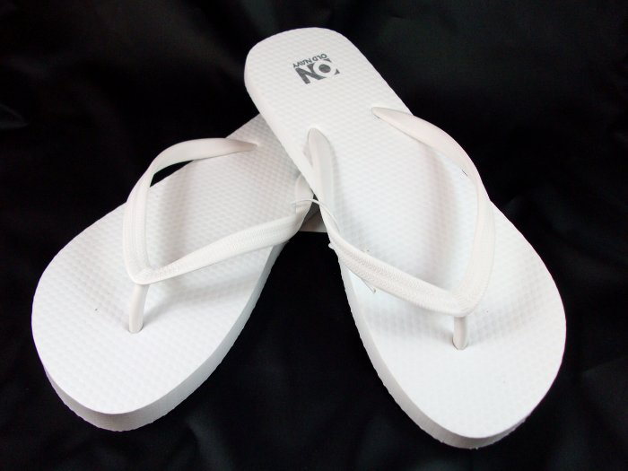 Women's White Flip Flops - Size 7