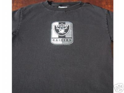 OAKLAND RAIDERS YOUTH size M(10-12) Long Sleeve T-SHIRT