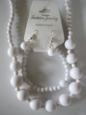 White Round Beaded Necklace & Earring Set w/matching Bracelet