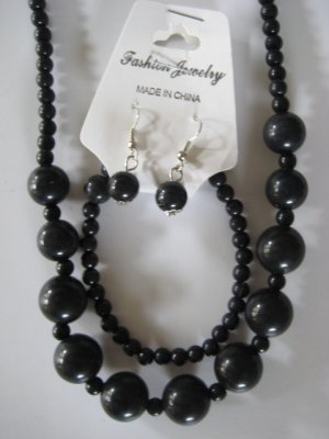 Black Round Beaded Necklace & Earring Set w/matching Bracelet