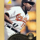 1995 Pinnacle Baseball #399 Mike Devereaux - Baltimore Orioles
