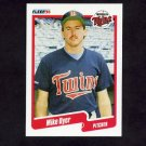 1990 Fleer Baseball #372 Mike Dyer RC - Minnesota Twins