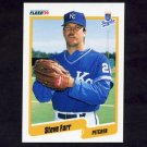 1990 Fleer Baseball #107 Steve Farr - Kansas City Royals
