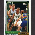 1992-93 Topps Basketball #284 Todd Day RC - Milwaukee Bucks