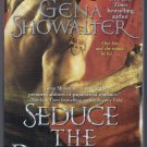 Seduce the Darkness Alien Huntress Book 4 Gena Showalter Paranormal Romance PB