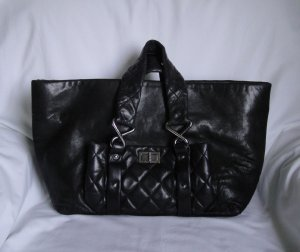 AUTHENTIC Black Chanel Lambskin 8 knots tote