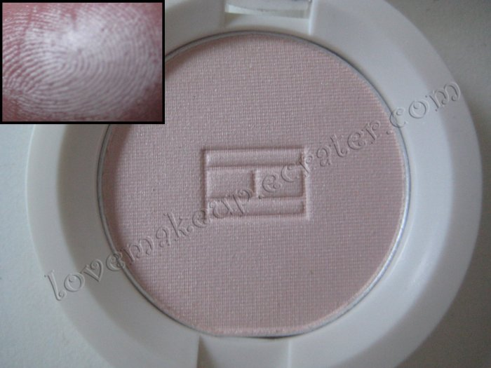 Tommy Hilfiger Wet-Dry Eyeshadow *SHY* [SOFT LIGHT PINK LOTS OF SHIMMER]