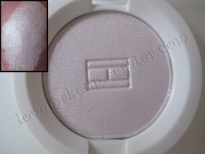 Tommy Hilfiger Wet-Dry Eyeshadow *CALM* [SUPER ALMOST WHITE SHIMMER]