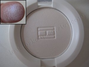 Tommy Hilfiger Wet-Dry Eyeshadow *DECEPTIVE* [OPAL - BUT LOOKS WHITE - HAS A BLUE-ISH SHEEN]