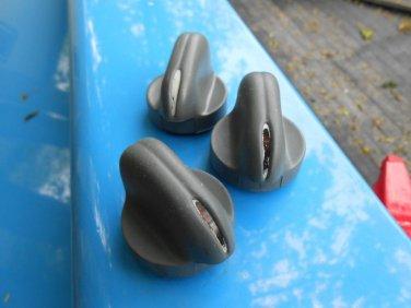 96? 1997 98 ? Pontiac Grand AM 3 peice heater knob set (red back)