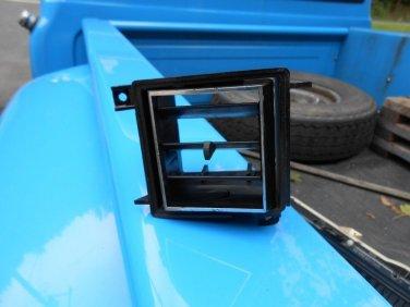 1971 1972? Ford LTD AC driver side LH dash vent good used