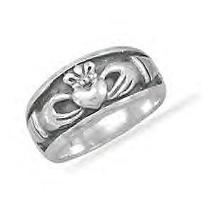 Oxidized Inset Claddagh Ring