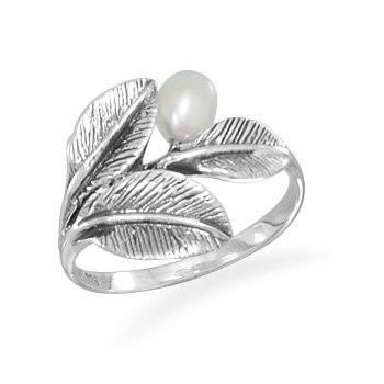 Oxidized Leaf Ring with Pearl