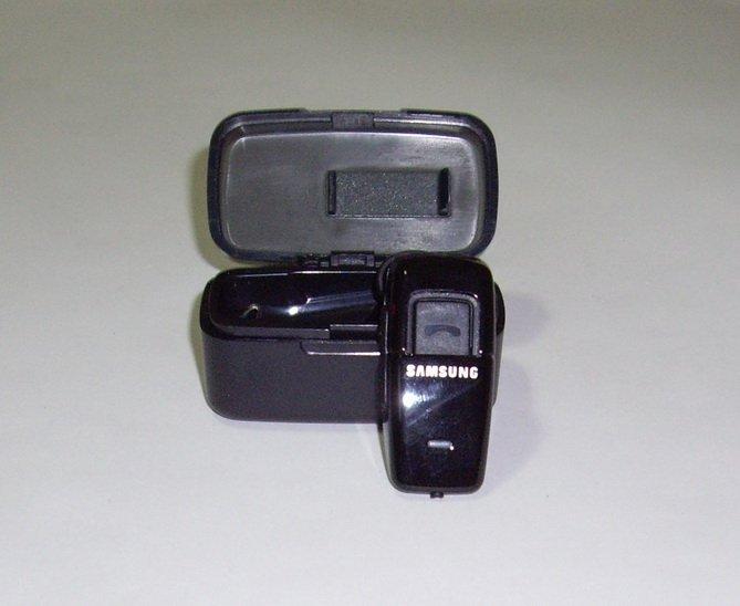 New Samsung WEP200 Bluetooth Black Headset Earphone