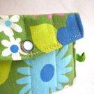 the rikrak sustainable wallet - in nostalgic daisy green