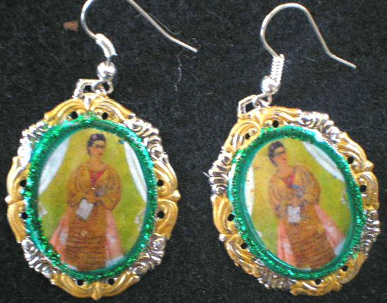 GREEN FRIDA TROTSKI PAINTING EARING
