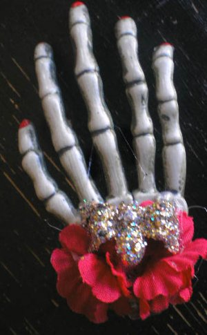 Single Skeleton Hand