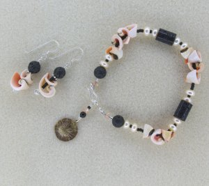"""Black Sands of Punalu"" bracelet and earrings set"