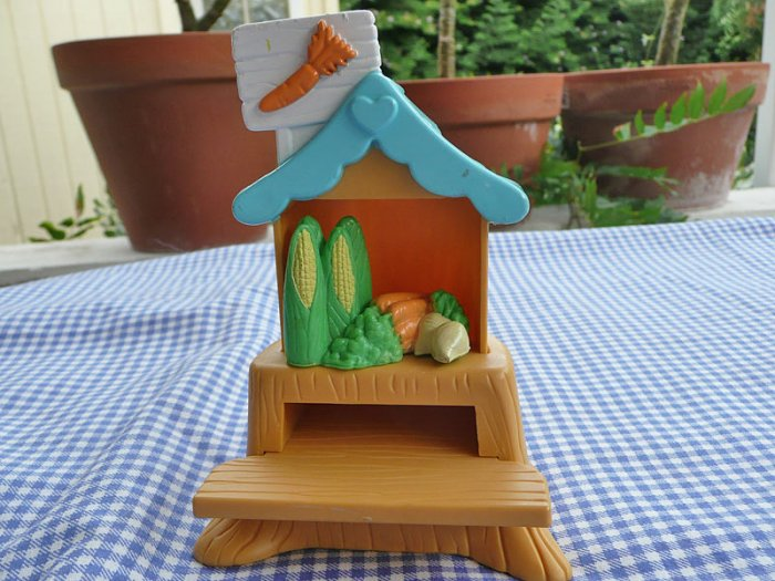 Fisher Price Hideaway Hollow Market Stand with Carrot sign and Stocked with Vegetables for Bunnies
