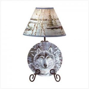 33770 Wolf In A Snowy Forest Lamp