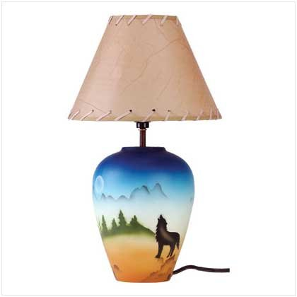 34747 Howling Wolf Lamp