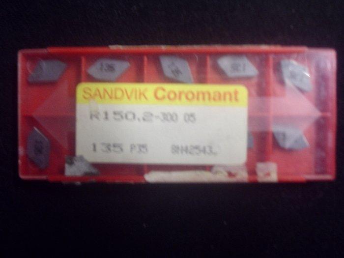 Sandvik R 150.2-300.05 Grade 135 P.38 Carbide Inserts