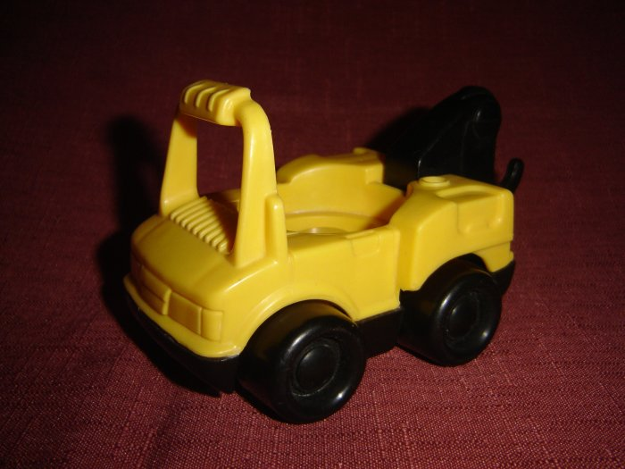 1995 Yellow Fisher Price Tow Truck From the 72394 Roadside Rescue Series New FP LP