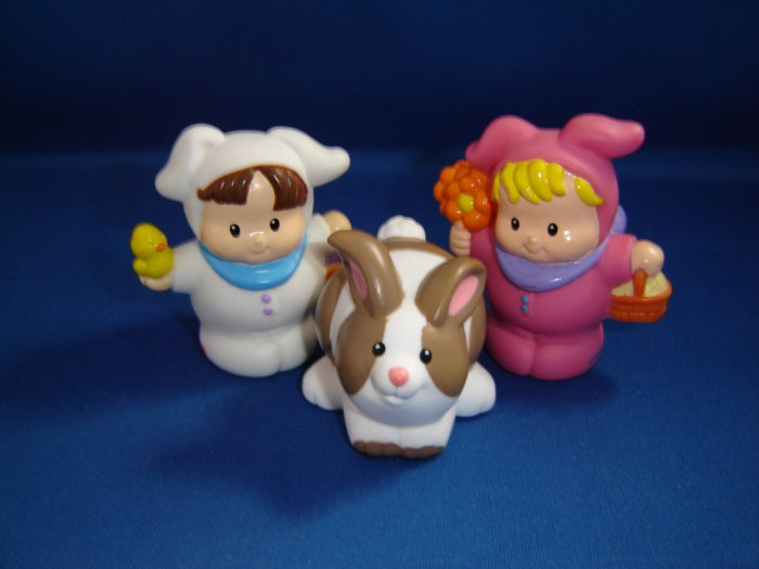 2002 Fisher Price Little People Spring Easter FP LP Bunny Rabbits With Baskets Chick Flowers Eggs