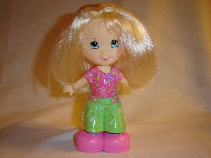 Fisher Price Snap N Style Elena With Extra Outfits Dresses And Shoes FP Blond Snap and Style Doll