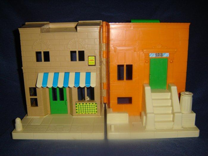 Vintage 1984 Playskool Sesame Street Muppets Mr Hoopers Store Bert and Ernie Brownstone Apartment