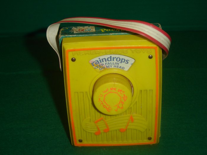 Vintage 1972 Fisher Price Raindrops Yellow Pocket Radio Model 762 Working Condition