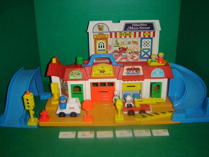 Vintage 1986 Fisher Price Little People 2500 Play Family