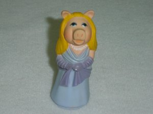 Vintage Fisher Price Muppets MISS PIGGY Moveable PVC Figure From Jim Henson Associates 1976 to 1978